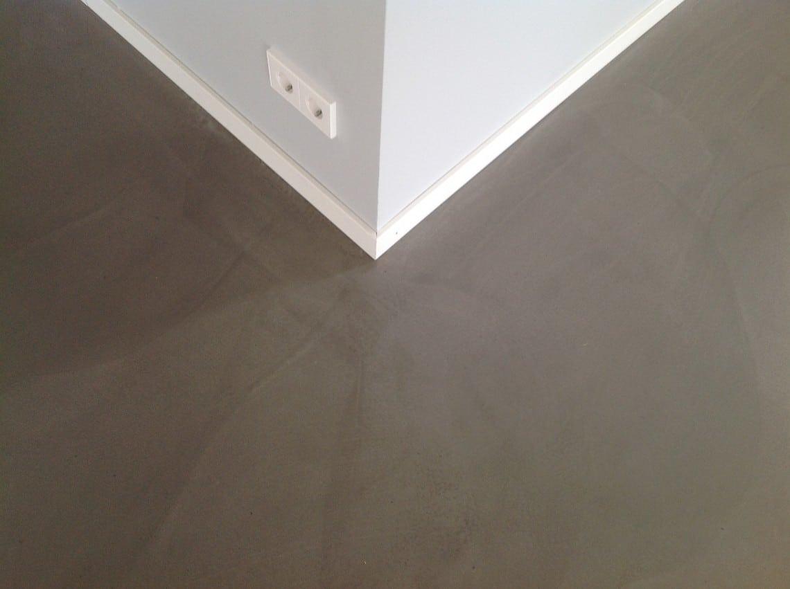 Betonlook Vloer Goedkoop : Het verschil tussen goedkoop woonbeton en een gietvloer