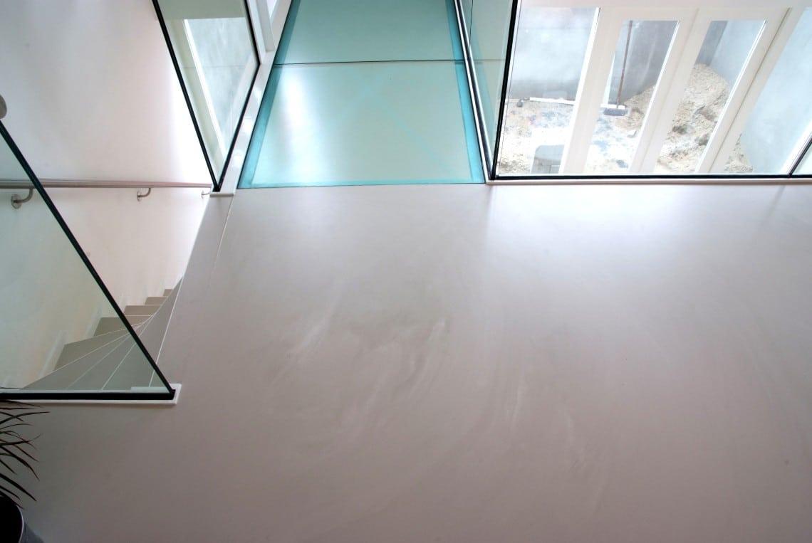 Verschil tussen een goedkope betonlook vloer en een gietvloer