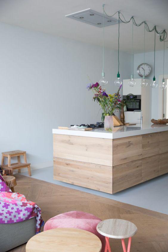 Gietvloer houten keukenblok